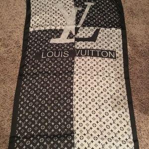 New authentic Louis Vuitton Paris monogram silk